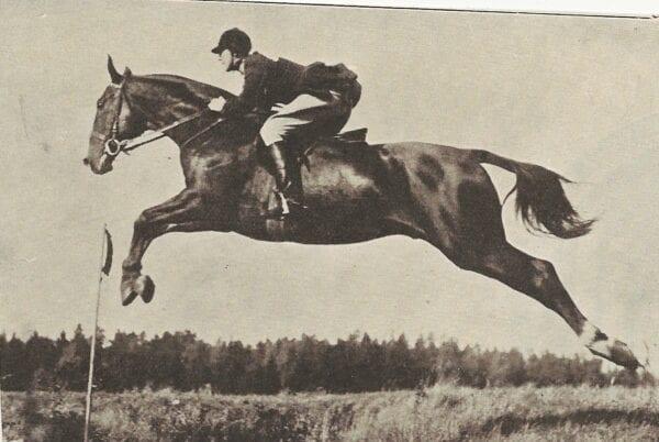 Edna Kuylenstierna på häst