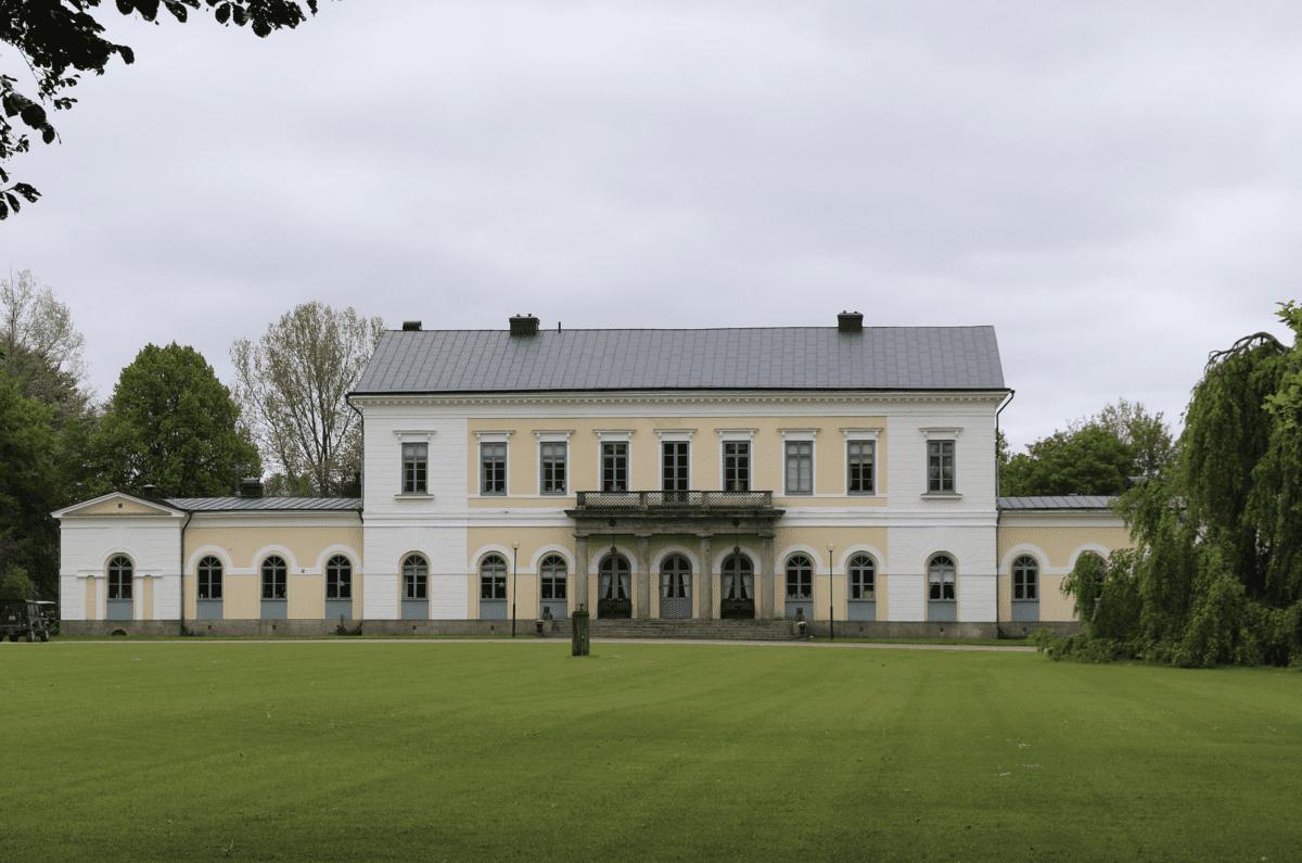 Sperlingsholms Gods utanför Halmstad